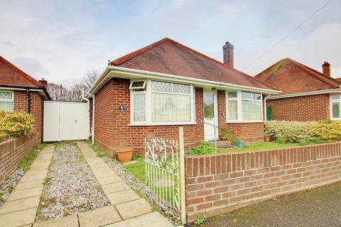 3 bedroom detached bungalow for sale - NO FORWARD CHAIN! POPULAR LOCATION! LOTS OF POTENTIAL!