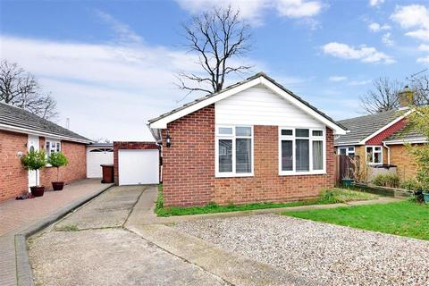 3 bedroom detached bungalow for sale - Darenth Rise, Lords Wood, Chatham, Kent