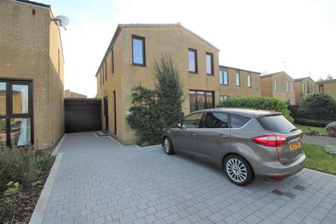 4 bedroom detached house for sale - Trent Drive, Thornbury, Bristol, BS35 2XE