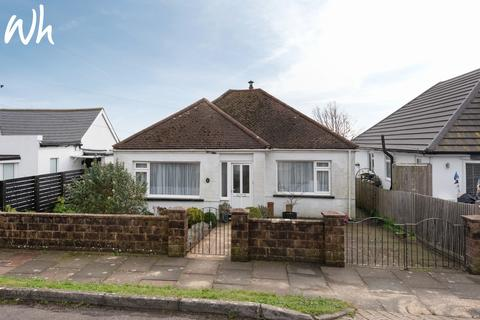 2 bedroom detached bungalow for sale - Midway Road, Woodingdean, Brighton BN2