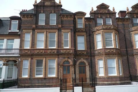 2 bedroom apartment to rent - Sandown Road, NR30