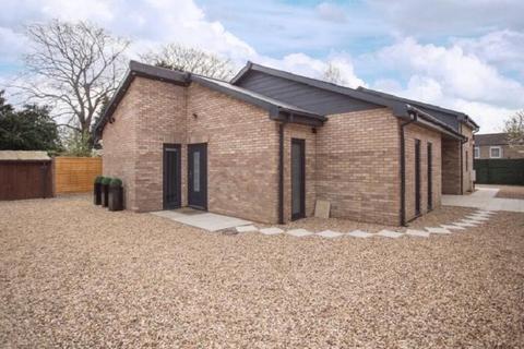 3 bedroom bungalow for sale - New Road, Woodston, Peterborough, Cambridgeshire. PE2 9HF