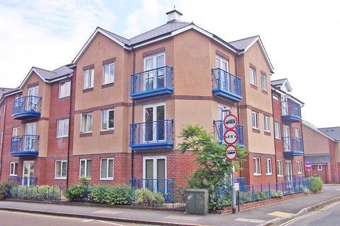 2 bedroom flat to rent - Floyers Hay Court, Isca Road