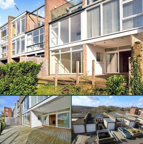 2 bedroom apartment for sale - Godalming. Spectacular South Westerly Views!