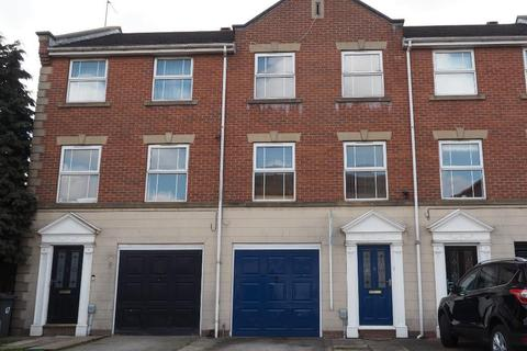 3 bedroom townhouse to rent - Mariners Close, Victoria Dock, Hull, HU9 1QE