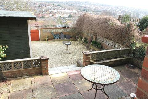 3 bedroom terraced house to rent - Thompson Road, Brighton, East Sussex, BN1 7BH