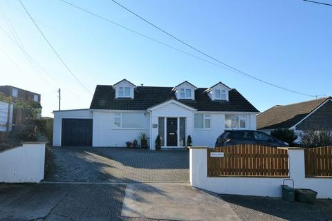 4 bedroom detached bungalow for sale - Four bed chalet-style bungalow, Rectory Lane, Instow