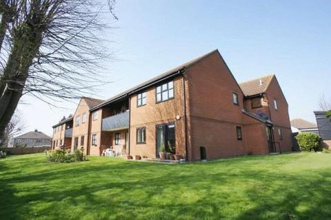 2 bedroom flat for sale - Springfields Brightlingsea