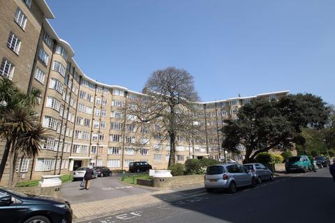 2 bedroom flat to rent - Furze Croft, Furze Hill