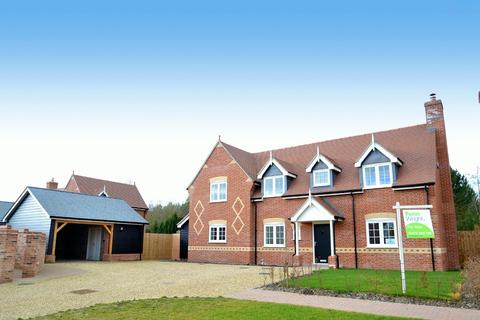 4 bedroom detached house for sale - Church Farm Place, Whatfield, Ipswich, IP7 6QQ