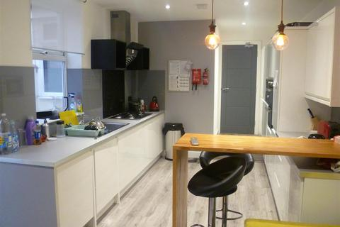 House share to rent - 204 Barton Lane, Eccles, Manchester