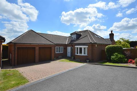 4 bedroom detached bungalow for sale - Ashberry Court, Allestree, Derby