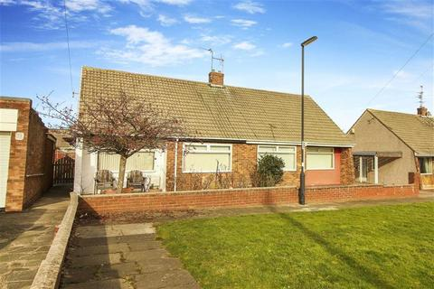 2 bedroom bungalow for sale - Langley Avenue, Shiremoor, Tyne And Wear