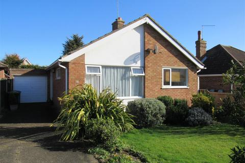 2 bedroom detached bungalow for sale - Grand Drive, Herne Bay