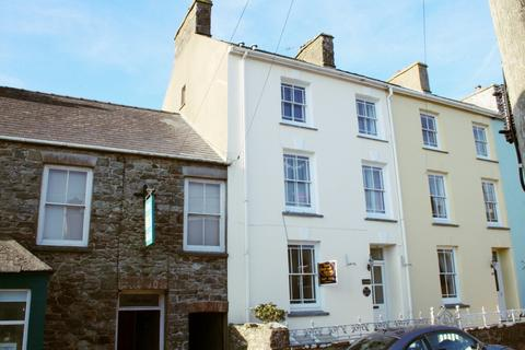 5 bedroom end of terrace house for sale - Nun Street, St. Davids