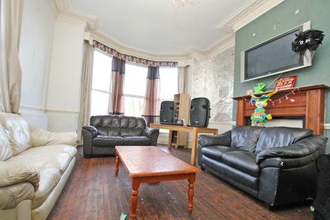 10 bedroom semi-detached house to rent - ALL BILLS CAN BE INCLUDED - Grosvenor Road