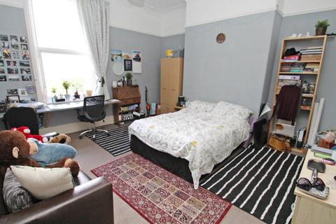11 bedroom semi-detached house to rent - ALL BILLS CAN BE INCLUDED - Grosvenor Road