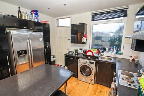 6 bedroom terraced house to rent - Graham Grove