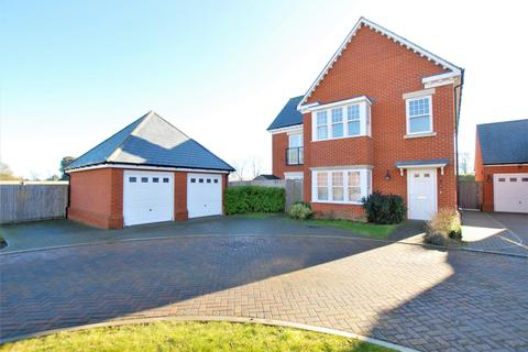 4 bedroom detached house for sale - Eversley Park, Folkestone, CT20