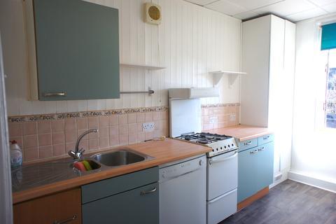 3 bedroom flat to rent - High Road N20