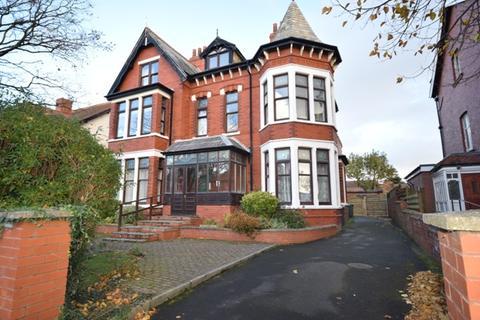 2 bedroom flat to rent - Stanley Road, Lytham