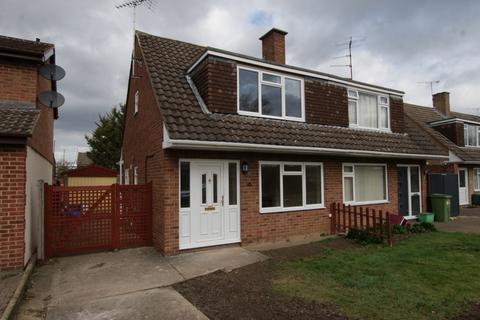 3 bedroom semi-detached house to rent - Stanway Road, Benhall, GL51