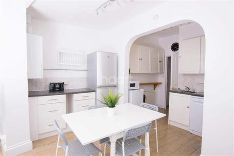 6 bedroom terraced house to rent - Sea View Avenue Plymouth PL4