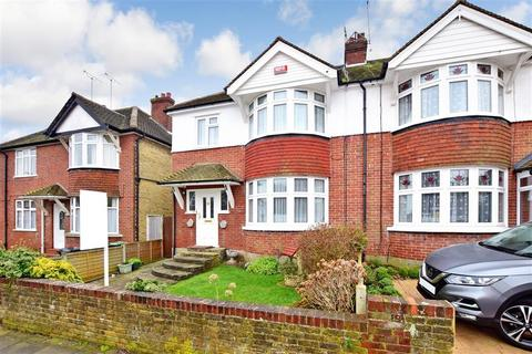 3 bedroom semi-detached house for sale - Bradstow Way, Broadstairs, Kent
