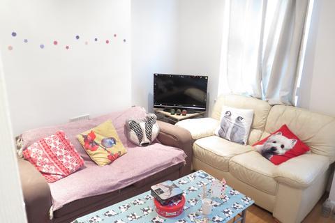 3 bedroom terraced house to rent - Royal Park Road, Hyde Park, Leeds LS6