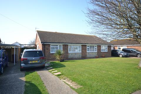 2 bedroom bungalow for sale - Harcourt Way, Selsey, PO20