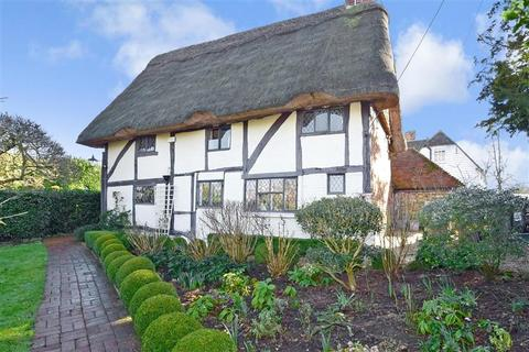 3 bedroom detached house for sale - Addlestead Road, East Peckham, Tonbridge, Kent