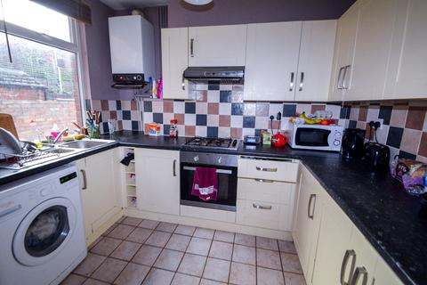 5 bedroom terraced house to rent - Guest Road, Sheffield S11