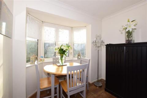 2 bedroom flat for sale - Autumn Drive, Sutton, Surrey