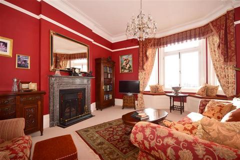 3 bedroom flat for sale - Harbour Parade, Ramsgate, Kent