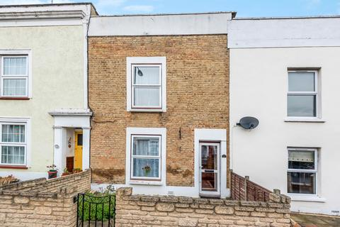 3 bedroom terraced house for sale - Crescent Road London SE18