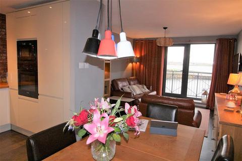 2 bedroom flat for sale - Waterloo Quay