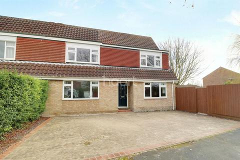 4 bedroom semi-detached house for sale - Daws Close, Cherry Hinton