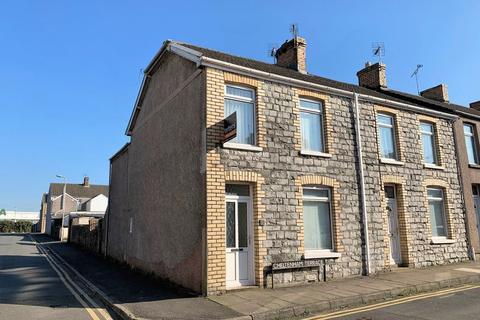 3 bedroom end of terrace house for sale - Cheltenham Terrace Bridgend CF31 3AH