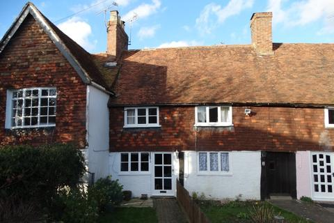 2 bedroom terraced house - Marden, Kent