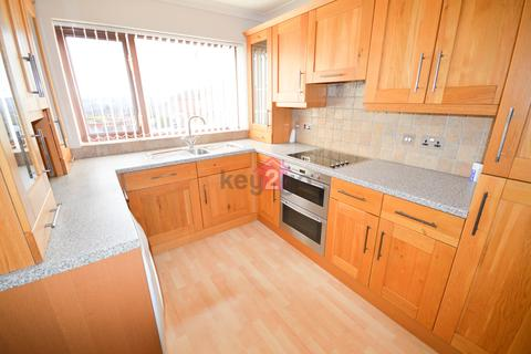3 bedroom semi-detached house to rent - Borrowdale Close, Halfway, Sheffield