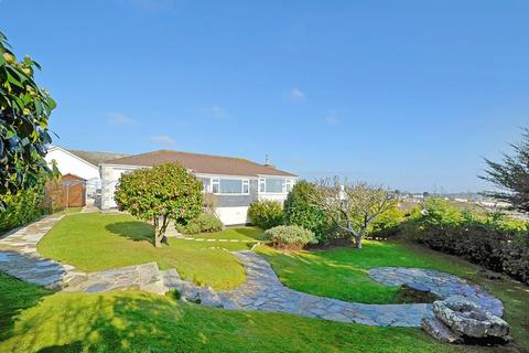 3 bedroom detached house for sale - Newton Park, St. Mawes
