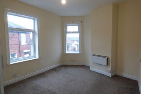 Studio to rent - Stanhope Street, Stockport