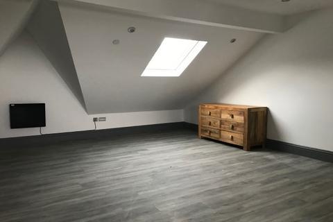 Studio to rent - Walter Road , Uplands