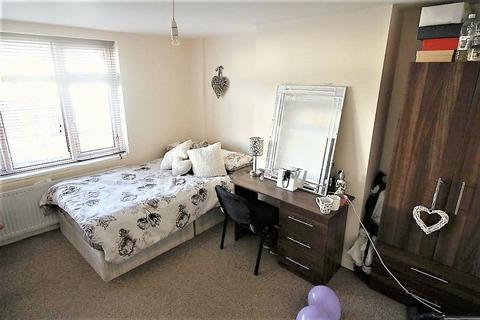 7 bedroom house to rent - Estcourt avenue, Headingley, LS6 3ET