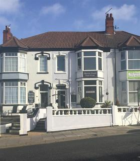 Guest house for sale - 4 Isaac's Hill, Cleethorpes, DN35 8JR