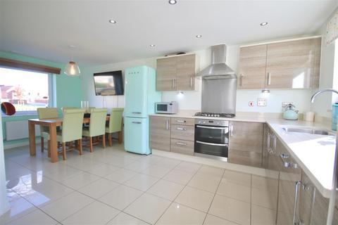 4 bedroom semi-detached house for sale - Chillingham Square, Waterlooville