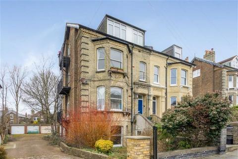 2 bedroom flat for sale - Springfield Road, Brighton