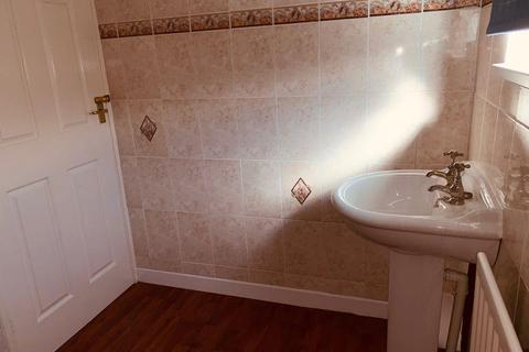 3 bedroom end of terrace house for sale - GREAT FIRST PURCHASE/INVESTMENT Burnstones, West Denton, Newcastle Upon Tyne