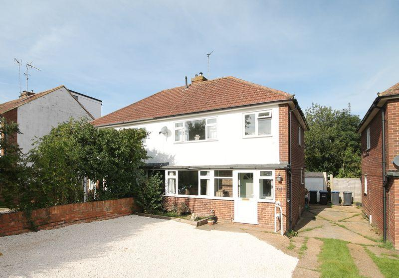 3 Bedrooms Semi Detached House for sale in Stonepound Road, Hassocks, West Sussex,