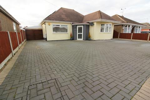 3 bedroom detached bungalow for sale - Claydon Grove, Gorleston, NR31